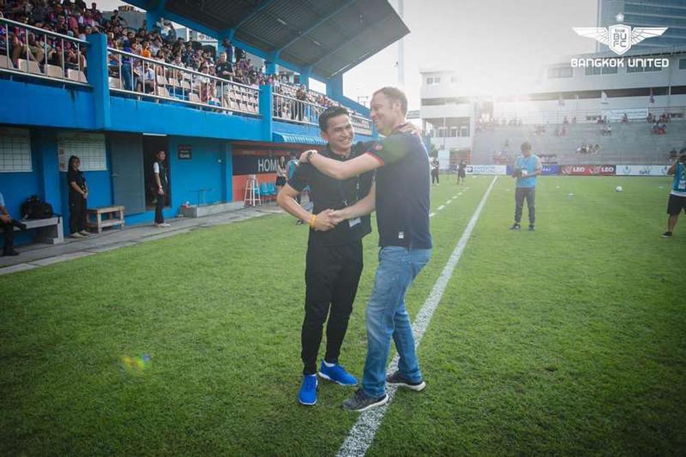 HLV Kiatisuk tin tưởng tân HLV trưởng Thái Lan, nói điều bất ngờ về chức vô địch AFF Cup - Ảnh 1.