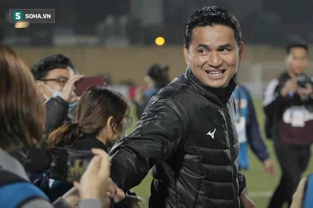 Kiatisuk úp mở về bến đỗ mới sau khi rời HAGL, nói về kịch bản sao Thái Lan đổ bộ sang V.League - Ảnh 1.