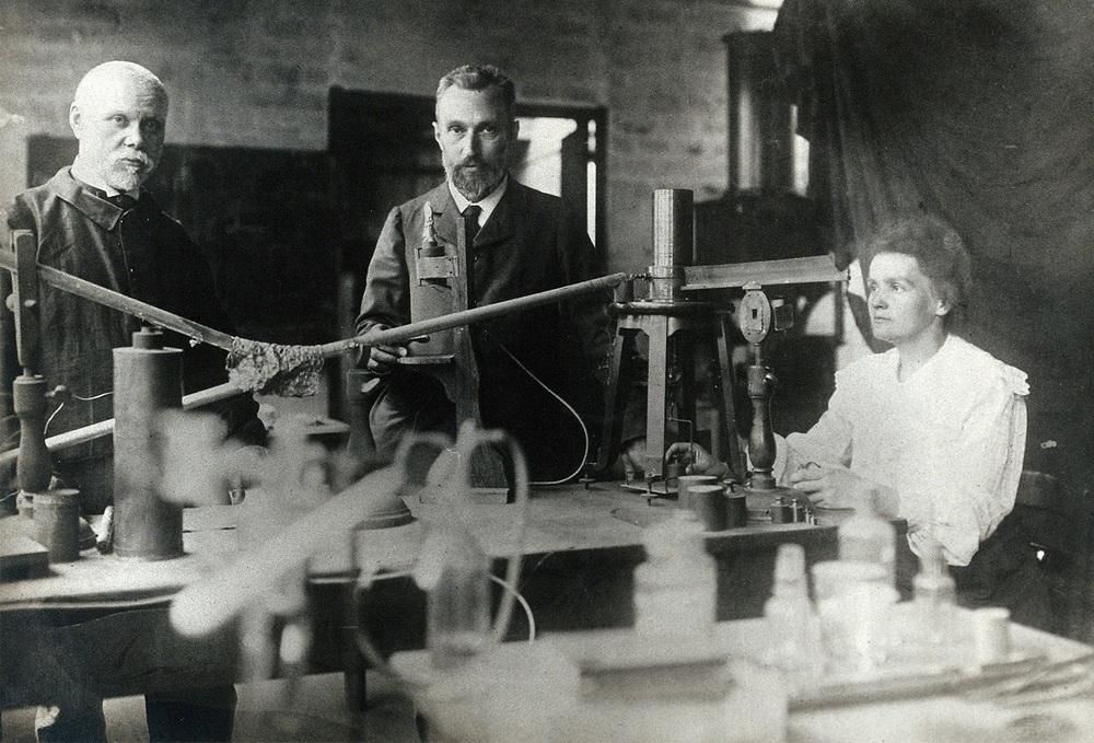 Nhà bác học Marie Curie là ai, tiểu sử và 4 bí mật hàng thập kỷ - Ảnh 4.