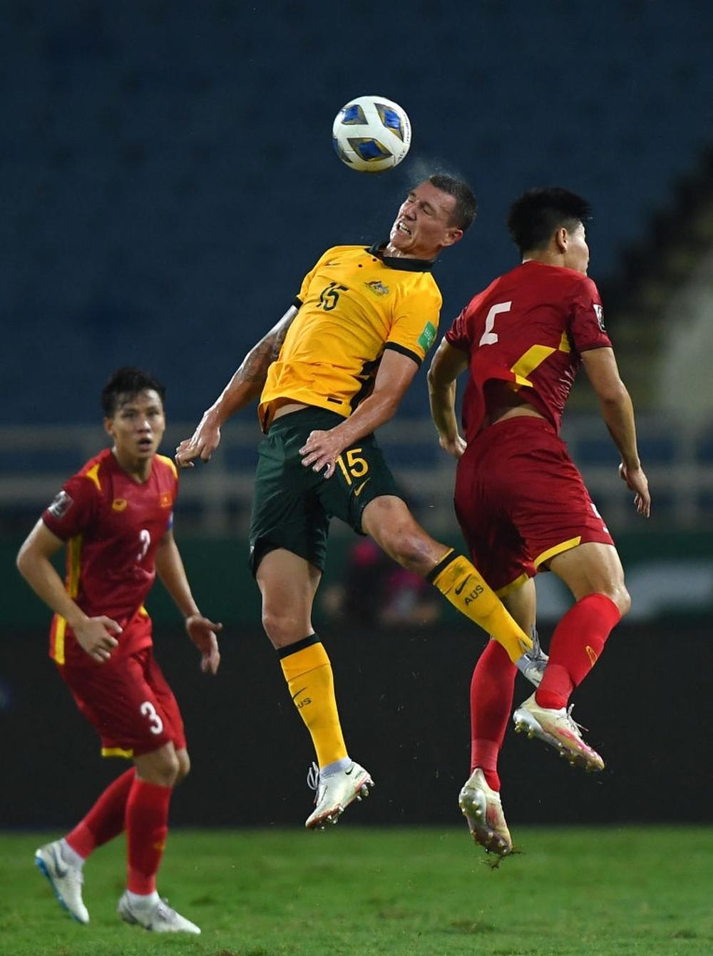 Tố tuyển Việt Nam đá xấu, báo Trung Quốc dạy đời cách đánh bại thầy trò HLV Park Hang-seo - Ảnh 2.