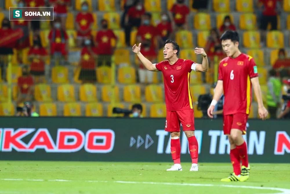 Quế Ngọc Hải chấn thương, tuyển Việt Nam gặp chuyện kém vui trước trận quyết đấu với Oman - Ảnh 1.