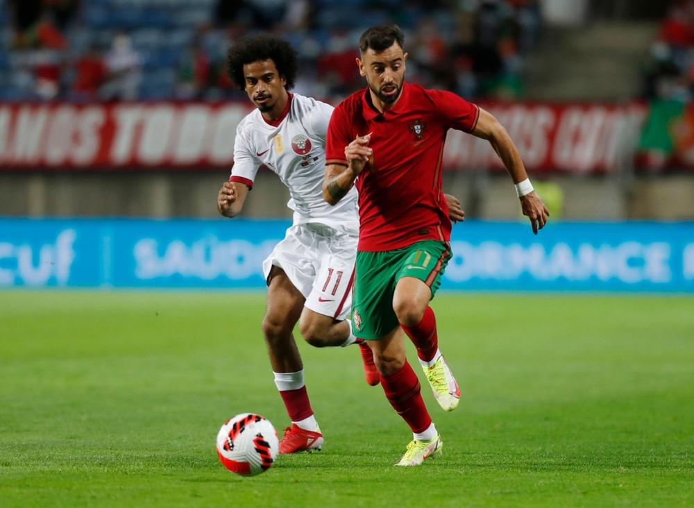 Ronaldo ghi bàn, Bồ Đào Nha thắng đậm chủ nhà World Cup 2022 - Ảnh 1.