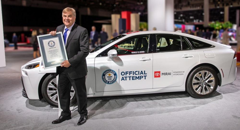 Xe điện Toyota nạp một lần đi 1360km - Lập kỷ lục Guinness nhưng lại là loại xe bị các hãng bỏ rơi! - Ảnh 1.