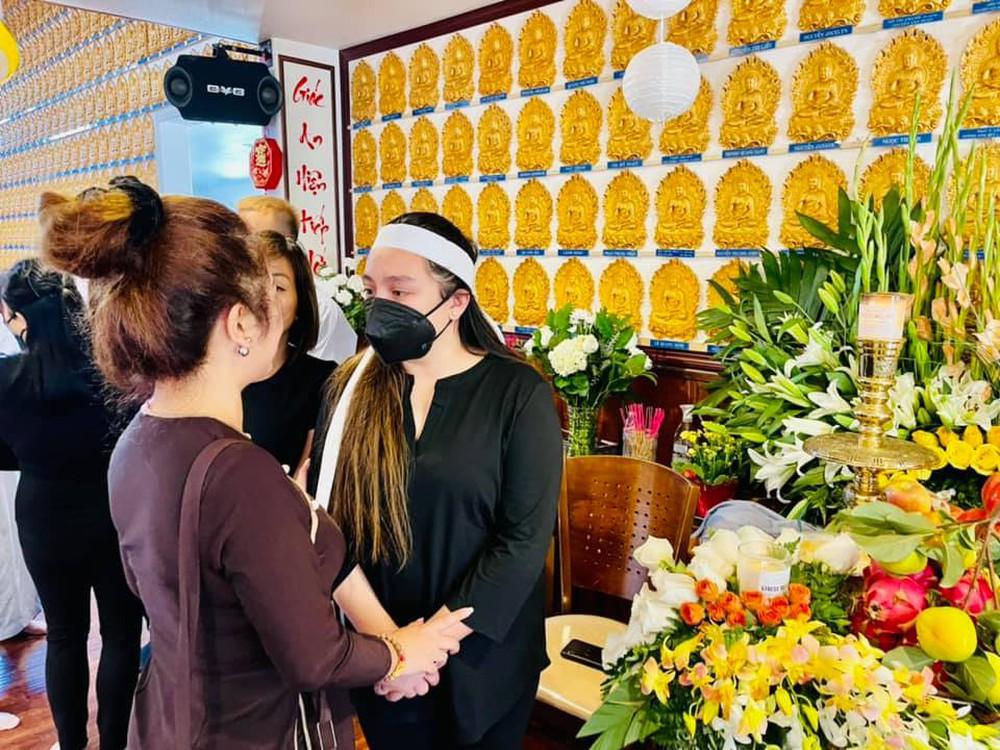Đám tang Phi Nhung ở Mỹ: Thúy Nga quyết định làm điều đặc biệt cho người quá cố - Ảnh 2.