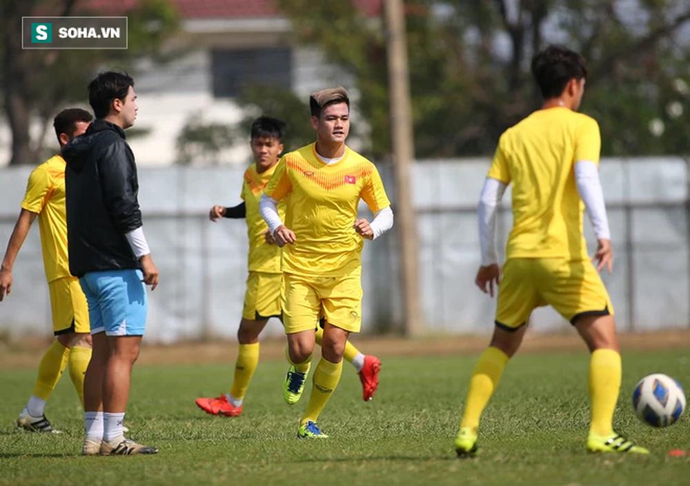 Nhà vô địch AFF Cup: CĐV Oman thổi kèn inh ỏi suốt trận, cầu thủ Việt Nam dễ mất tập trung - Ảnh 7.