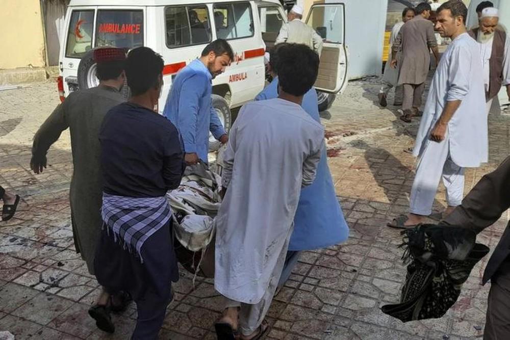 Khủng bố IS-K công bố danh tính kẻ đánh bom liều chết nhằm cảnh báo Trung Quốc? - Ảnh 1.