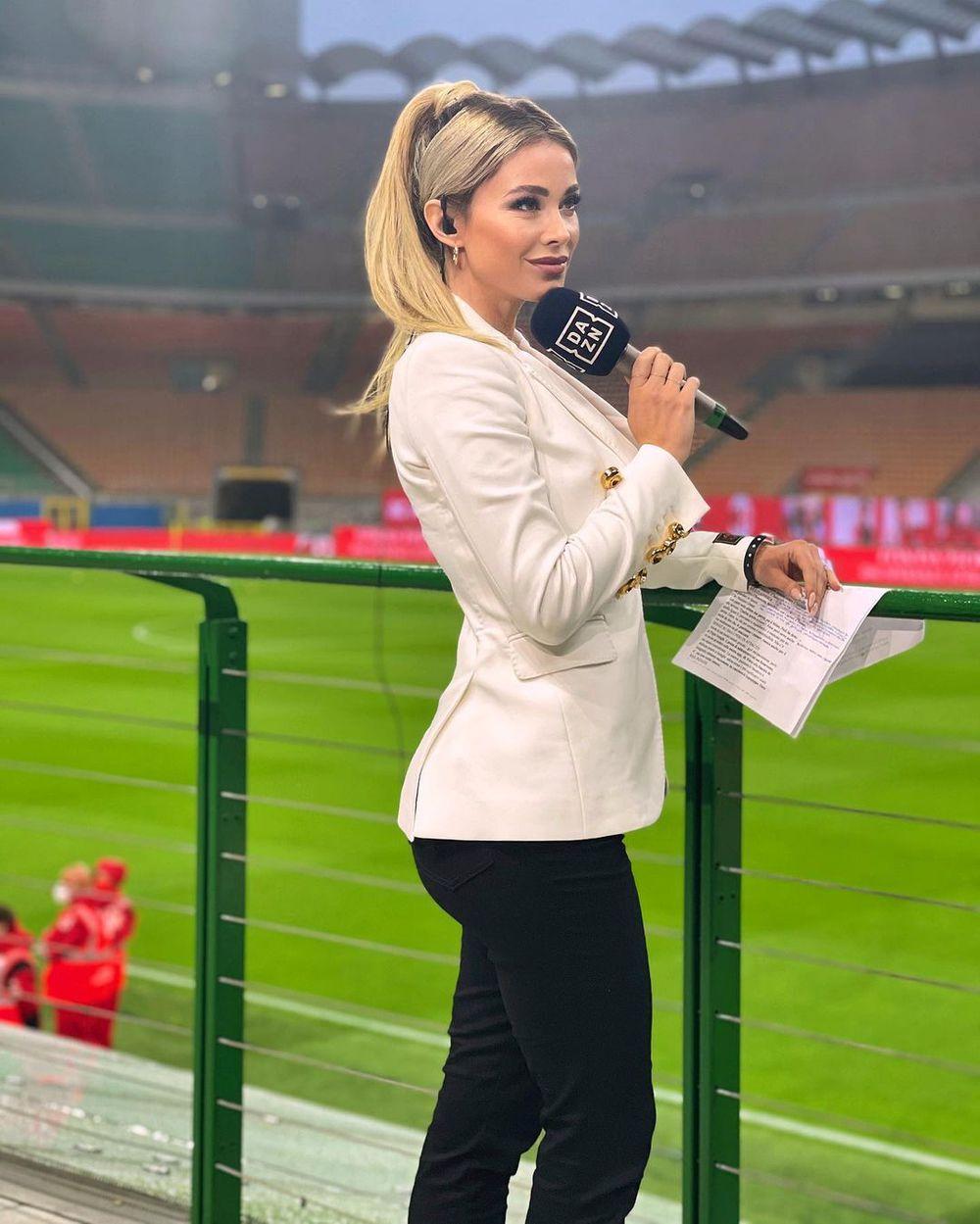 Nữ phóng viên thể thao quyến rũ nhất hành tinh úp mở về chuyện tình trường, fan mày râu được nước mở cờ trong bụng - Ảnh 2.
