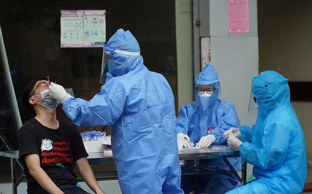 Ngày 11/10, Hà Nội phát hiện thêm 9 ca mắc Covid-19 ở 5 quận, huyện