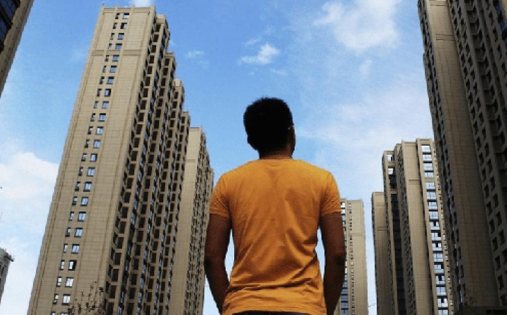 ''Người nghèo kiểu mới'' ra đời ở Trung Quốc: Có xe hơi, nhà lầu bạc triệu nhưng tài khoản chỉ có dưới 35 triệu đồng