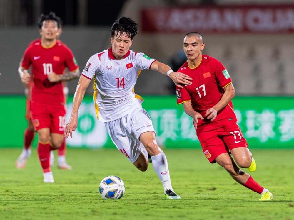 Chuyên gia Oman chỉ ra vũ khí đáng sợ của ĐT Việt Nam, hiến kế để đội nhà đánh bại thầy Park - Ảnh 1.