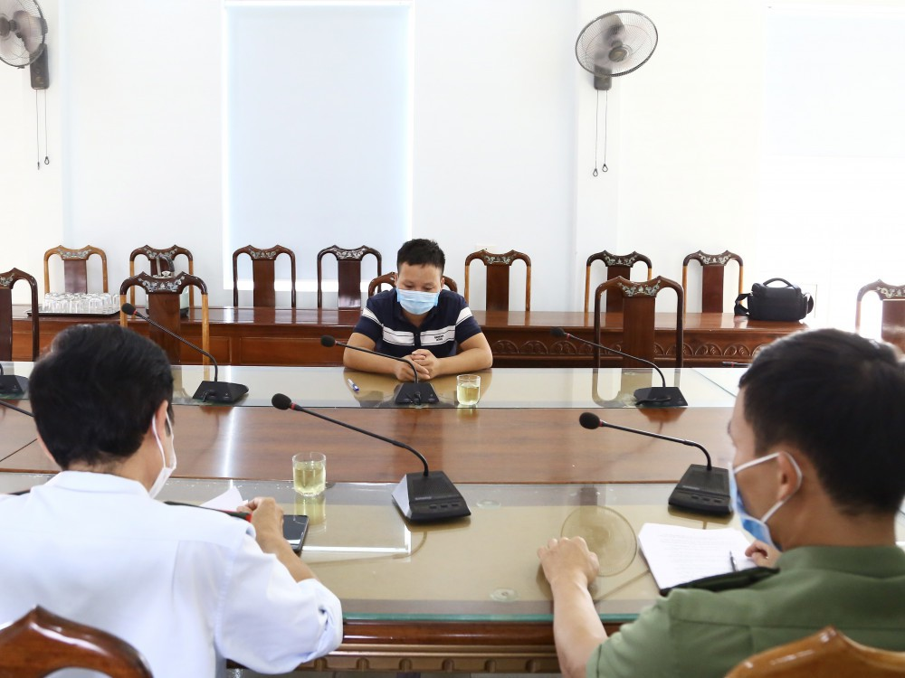Xử phạt thanh niên xúc phạm tỉnh Hà Tĩnh liên quan đến chuyện cứu trợ lũ lụt của ca sỹ Thủy Tiên - Ảnh 2.