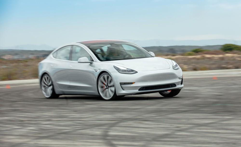 Honda vừa khiến thế giới sững sờ, chặt đẹp Tesla - Một bước tới gần tương lai! - Ảnh 1.