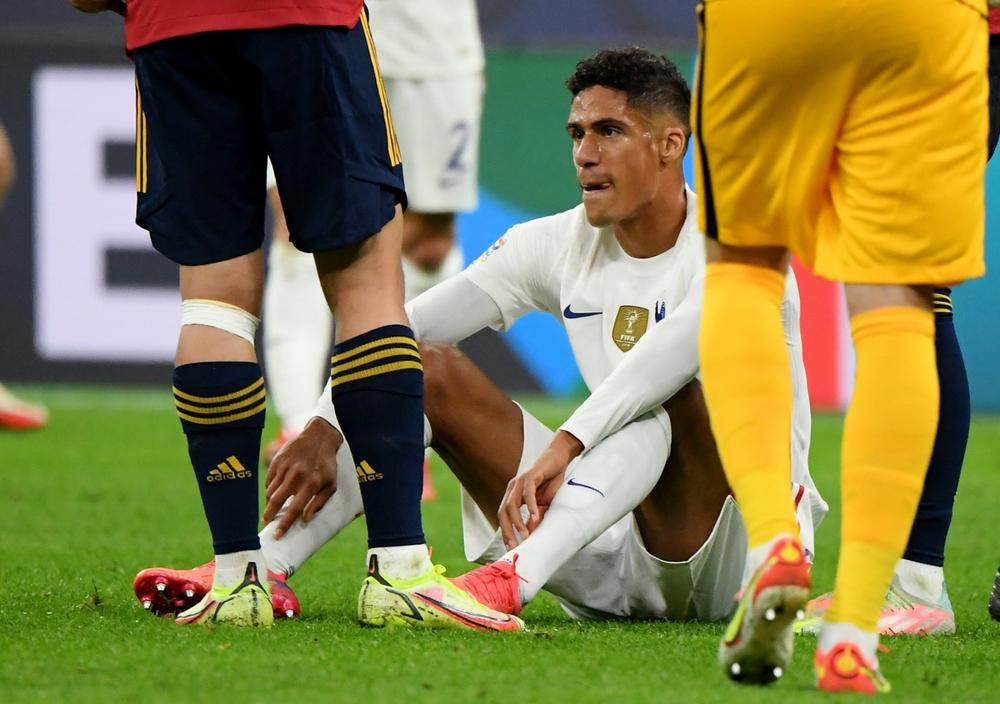 MU khủng hoảng trung vệ trước vòng 8 Ngoại hạng Anh  - Ảnh 1.