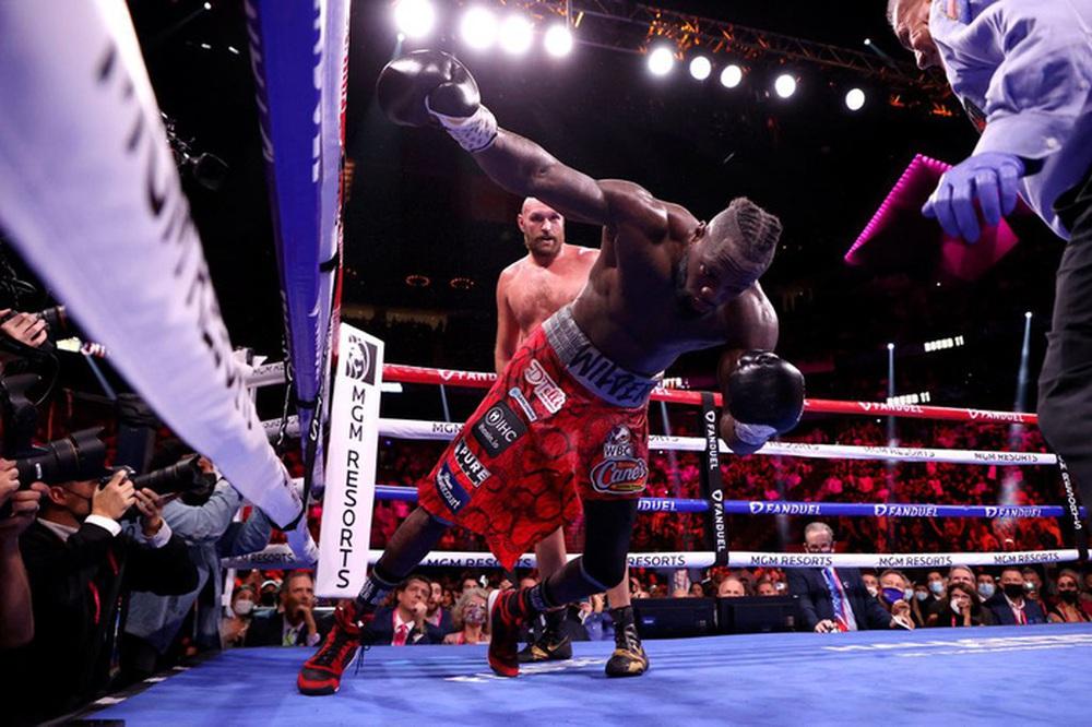 Tyson Fury nói về pha knock-out Deontay Wilder: Cú đấm đó đủ để khiến đối thủ phải giải nghệ - Ảnh 2.