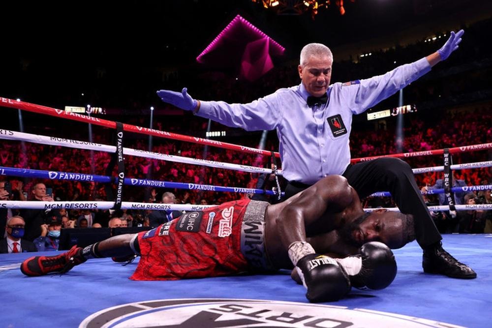 Tyson Fury nói về pha knock-out Deontay Wilder: Cú đấm đó đủ để khiến đối thủ phải giải nghệ - Ảnh 3.