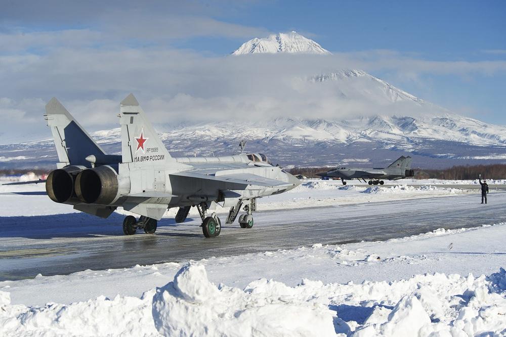 F-16 Nhật Bản suýt tan xác khi cố đánh chặn máy bay Nga: Điều gì đã xảy ra? - Ảnh 2.