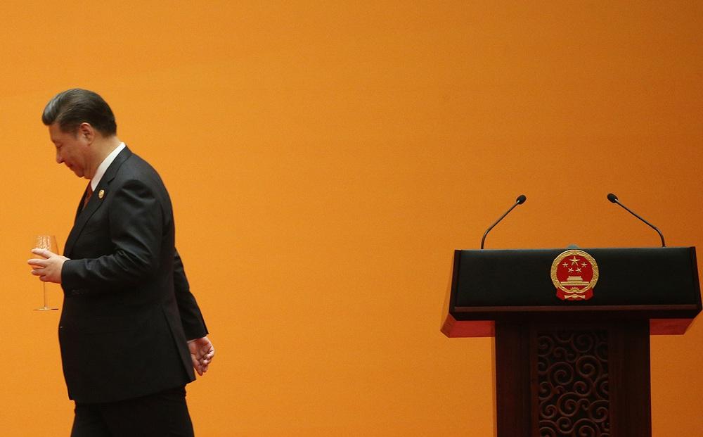 """Từ đại gia giờ như """"kẻ phá sản"""": Trung Quốc vỡ mộng siêu cường - Sức cùng lực kiệt?"""