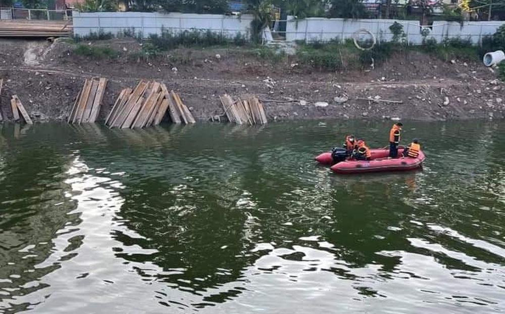 Hà Nội: Tìm kiếm người phụ nữ nhảy sông Tô Lịch tự tử
