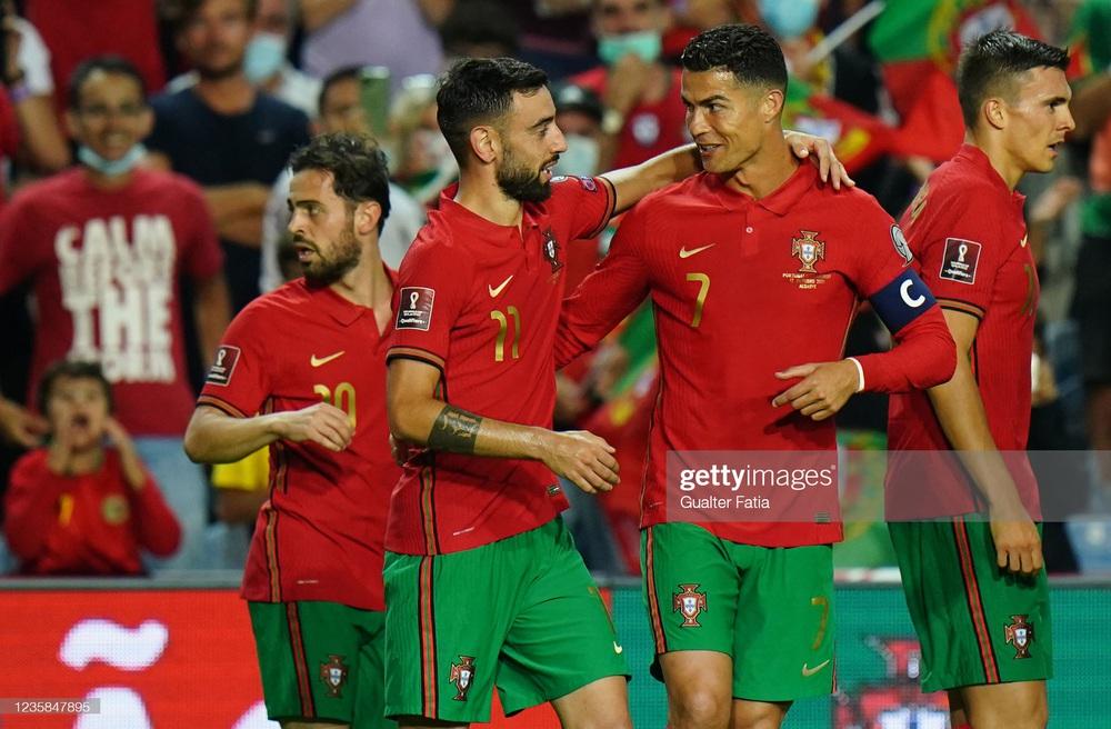 Ronaldo hủy diệt đội bóng đứng ngang với Việt Nam; xác định thêm 1 cái tên giành vé World Cup - Ảnh 2.