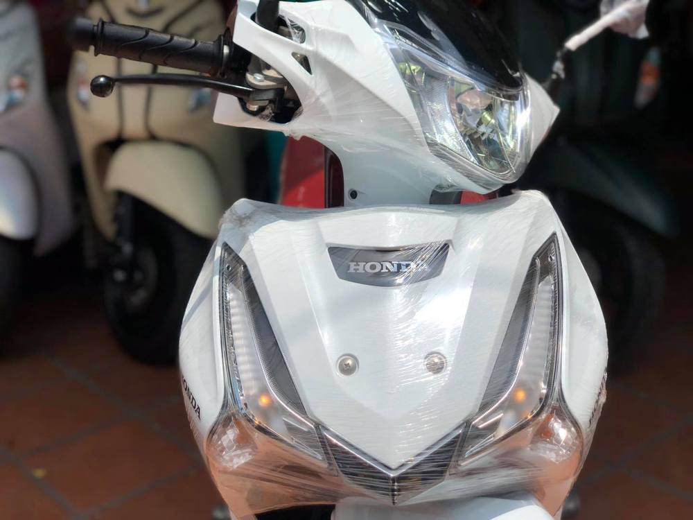 Xe máy Thái Lan tiết kiệm xăng 1,4L/100km, cốp rộng 17 lít, về Việt Nam giá bao nhiêu? - Ảnh 2.