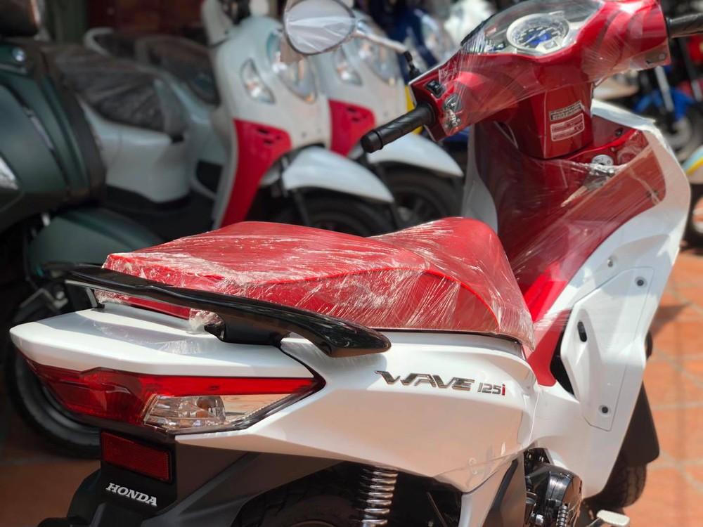 Xe máy Thái Lan tiết kiệm xăng 1,4L/100km, cốp rộng 17 lít, về Việt Nam giá bao nhiêu? - Ảnh 3.