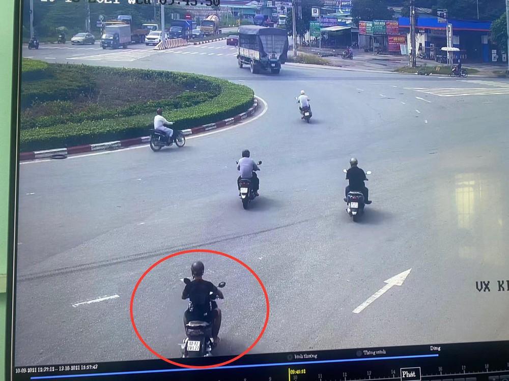 Nam tài xế xe ôm công nghệ bị kẻ ác đâm trọng thương rồi cướp xe - Ảnh 1.