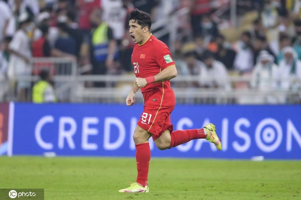 Trung Quốc bỏ lỡ cơ hội vàng mười, nhận cái kết buồn trước Ả Rập Xê Út dù ghi siêu phẩm - Ảnh 2.