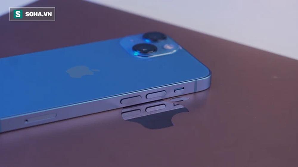 Cận cảnh iPhone 13 mini trước ngày lên kệ, có nên lên đời iPhone 12 mini? - Ảnh 3.