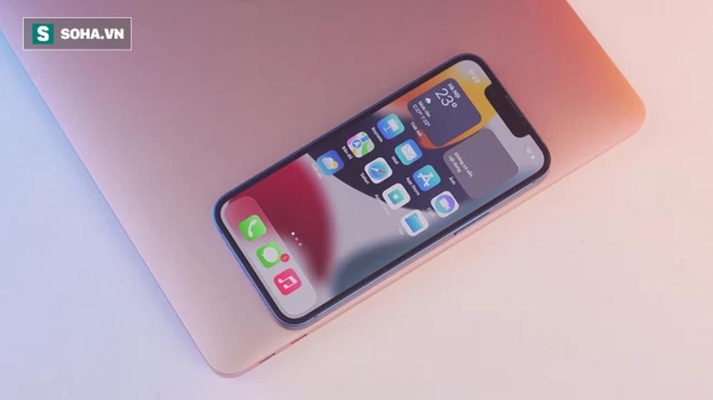 Cận cảnh iPhone 13 mini trước ngày lên kệ, có nên lên đời iPhone 12 mini? - Ảnh 5.
