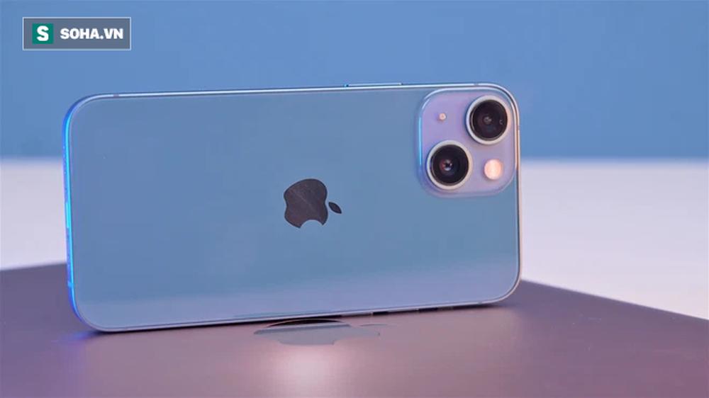 Cận cảnh iPhone 13 mini trước ngày lên kệ, có nên lên đời iPhone 12 mini? - Ảnh 6.