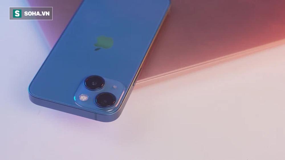 Cận cảnh iPhone 13 mini trước ngày lên kệ, có nên lên đời iPhone 12 mini? - Ảnh 7.
