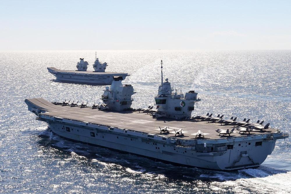Vừa nhìn thấy tàu sân bay Anh, tàu Trung Quốc đột ngột quay đầu: Chuyện gì đã xảy ra? - Ảnh 2.