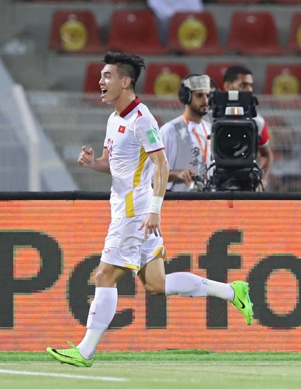 Kết quả Oman vs Việt Nam: Hàng thủ chơi thảm hại, thầy trò HLV Park Hang-seo nhận trận thua muối mặt - Ảnh 3.