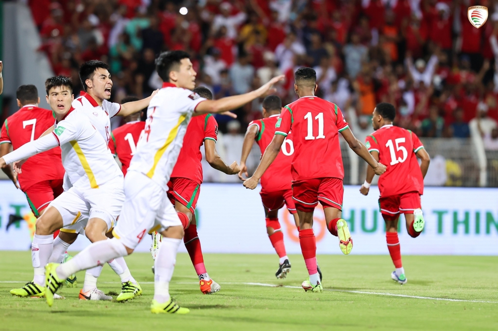 ĐT Việt Nam khóc hận vì VAR: Nỗi buồn từ V-League mà ra? - Ảnh 1.