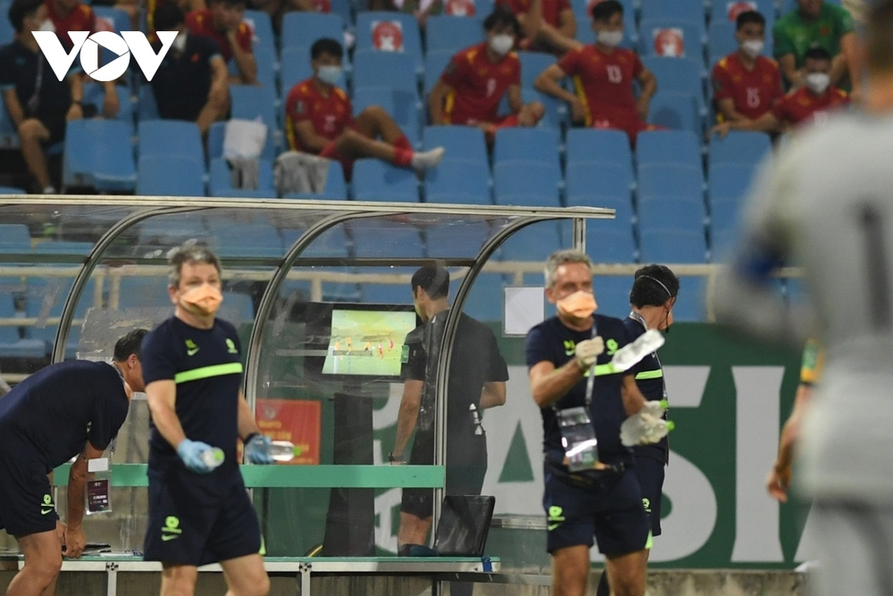 ĐT Việt Nam khóc hận vì VAR: Nỗi buồn từ V-League mà ra? - Ảnh 2.