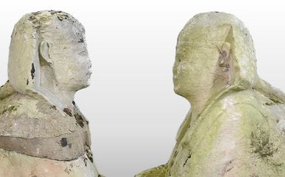 """Chuyển nhà nên định vứt quách 2 bức tượng nhân sư đi, cặp đôi đổi ý phút cuối rồi bất ngờ """"ngồi trên đống tiền"""""""