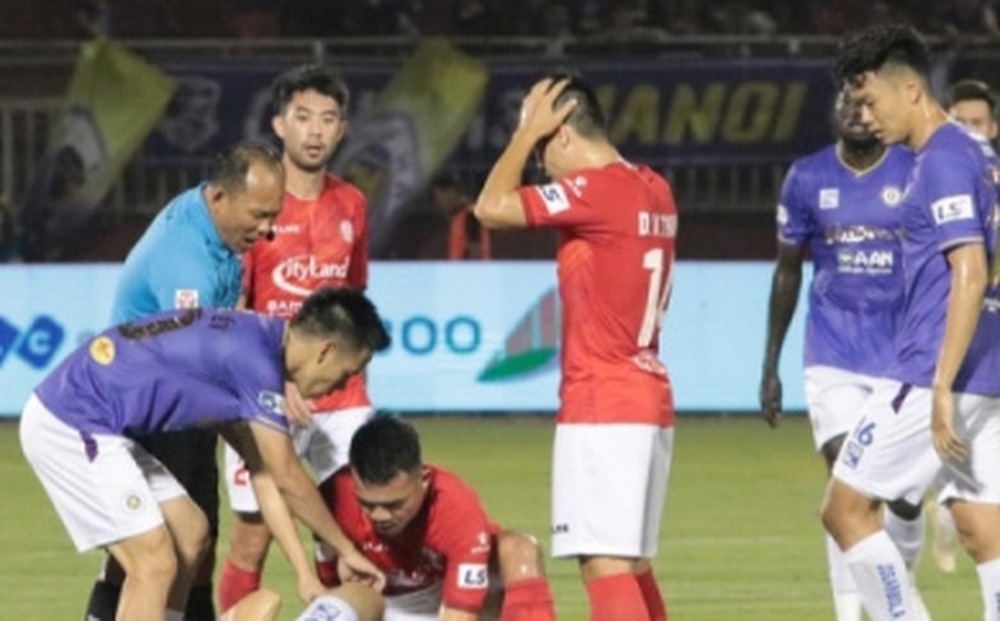 ĐT Việt Nam khóc hận vì VAR: Nỗi buồn từ V-League mà ra?