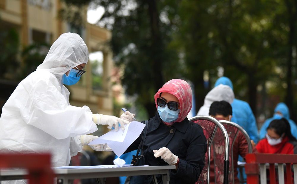 Ngày 14/10, có thêm 3.092 ca nhiễm mới tại 42 tỉnh thành