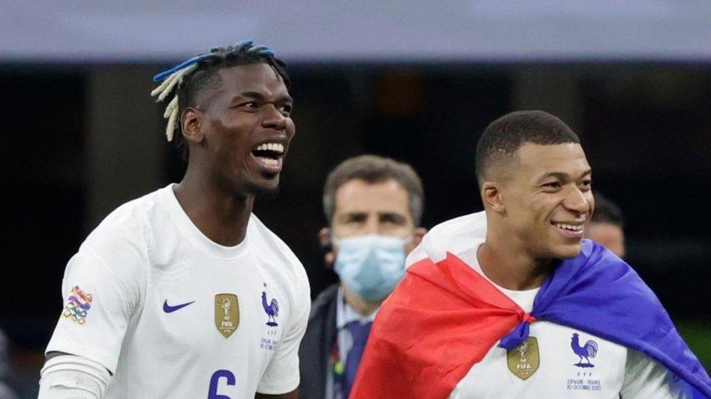 Chuyển nhượng MU 14/10: Pogba đến Tây Ban Nha, Van de Beek về dưới trướng Mourinho? - Ảnh 1.