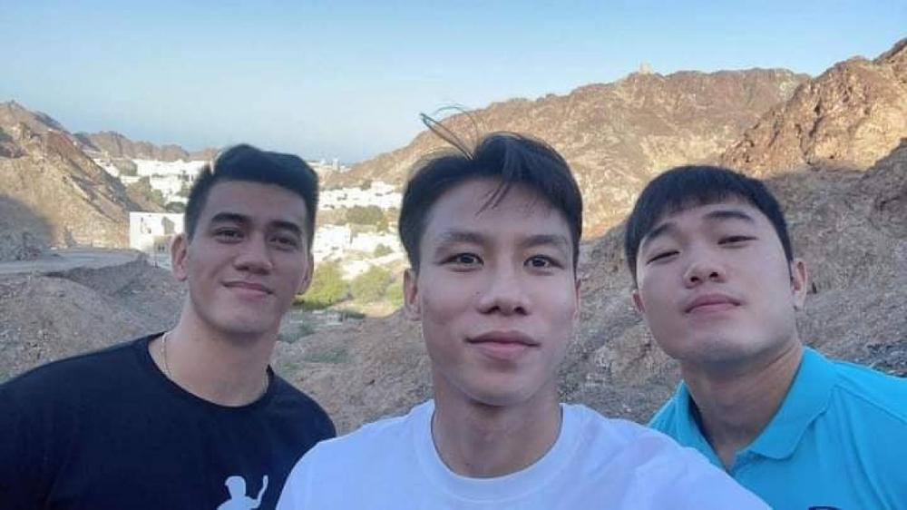 Các tuyển thủ Việt Nam khám phá Oman trước giờ lên đường về nước - Ảnh 1.