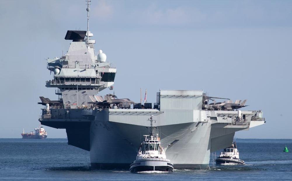 Vừa nhìn thấy tàu sân bay Anh, tàu Trung Quốc đột ngột quay đầu: Chuyện gì đã xảy ra?