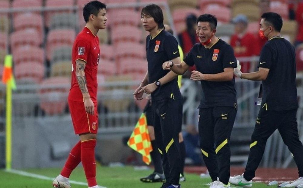 Tuyển Trung Quốc sắp thay HLV Li Tie bằng nhà cầm quân từng dẫn ĐT Brazil và CLB Chelsea?