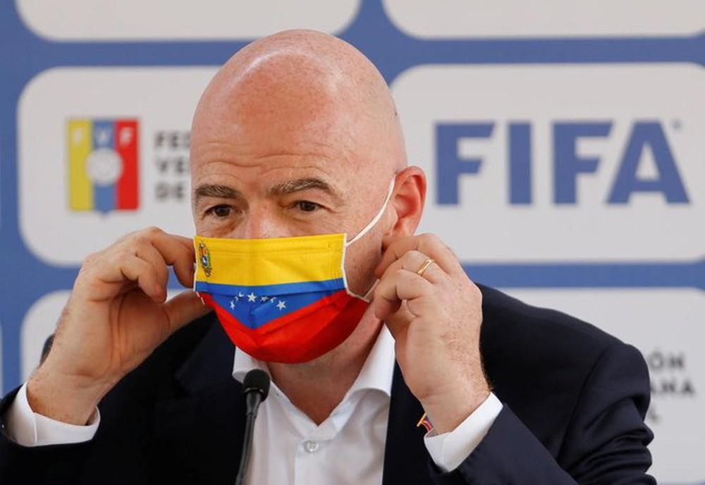ĐTVN đang tuyệt vọng với VCK World Cup 2022, Chủ tịch FIFA ra tuyên bố vừa mừng vừa lo - Ảnh 1.