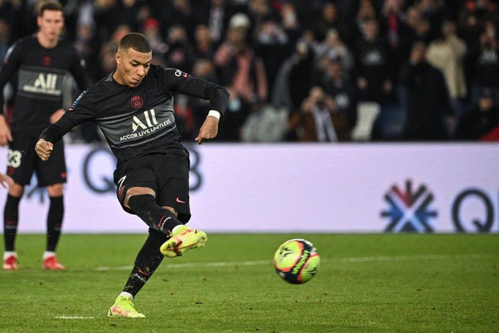 Không Messi và Neymar, Mbappe tỏa sáng giúp PSG ngược dòng đánh bại Angers  - Ảnh 5.