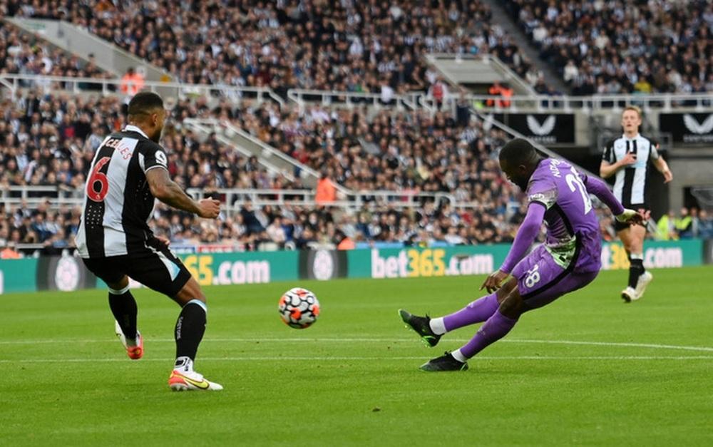 Newcastle 2-3 Tottenham: Kane-Son lên tiếng, Tottenham dễ dàng vượt qua Newcastle - Ảnh 2.