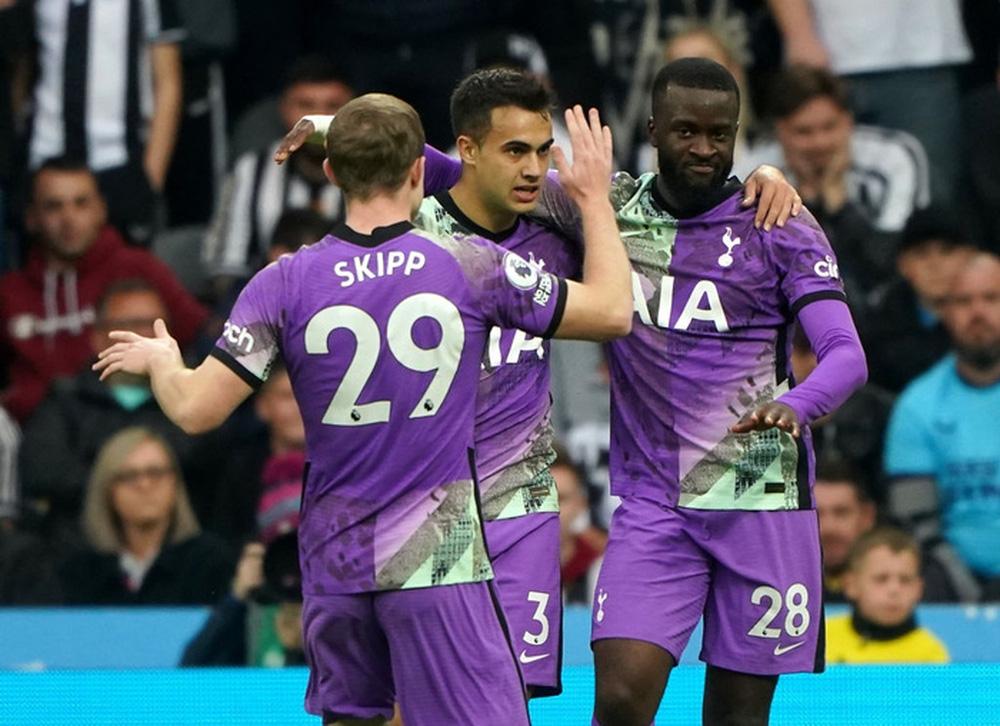 Newcastle 2-3 Tottenham: Kane-Son lên tiếng, Tottenham dễ dàng vượt qua Newcastle - Ảnh 3.
