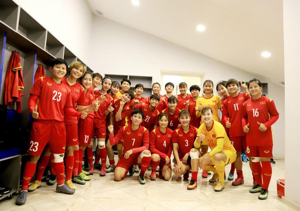 Tuyển nữ Việt Nam về nước với chiến thắng thuyết phục tại vòng loại Asian Cup 2022 - Ảnh 1.