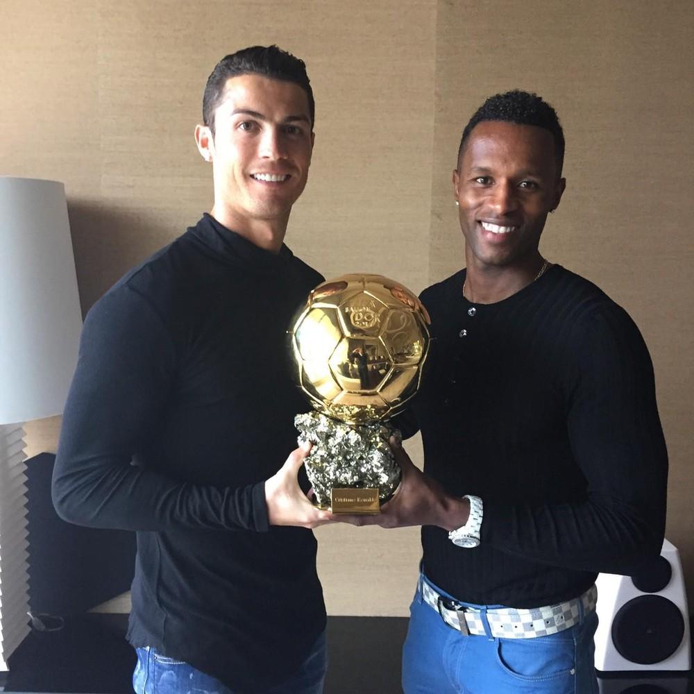 Bạn thân Ronaldo vừa trải qua cú sốc lớn trong đời, người hâm mộ vẫn ngóng CR7 có động thái đầu tiên trên MXH - Ảnh 2.