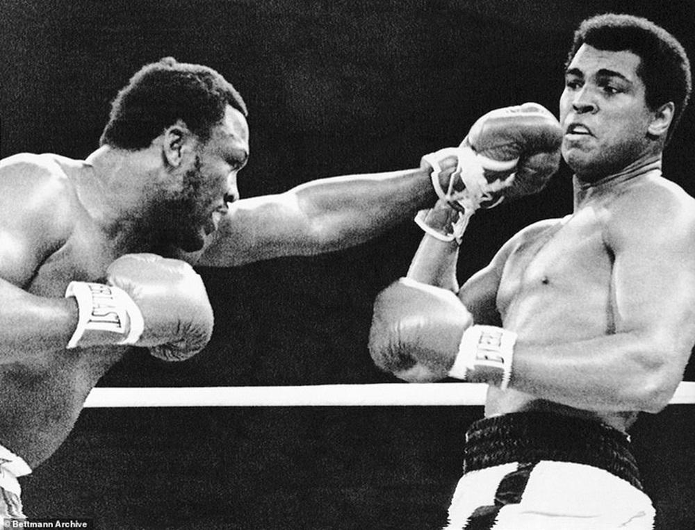 Nhớ về Thrilla in Manila: Trận chiến lịch sử đẩy Muhammad Ali và Joe Frazier cận kề với cái chết - Ảnh 3.