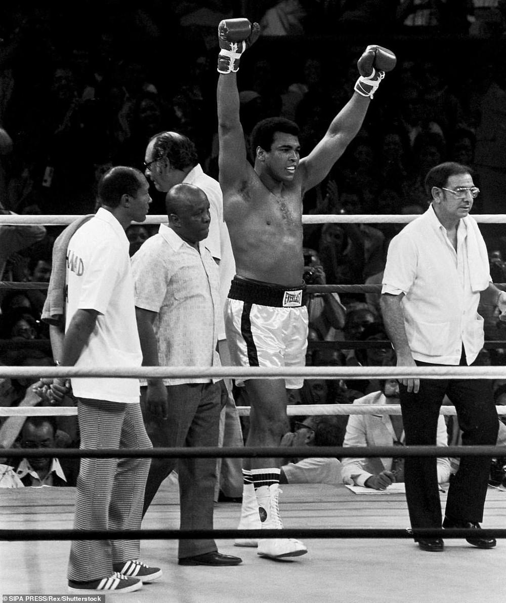 Nhớ về Thrilla in Manila: Trận chiến lịch sử đẩy Muhammad Ali và Joe Frazier cận kề với cái chết - Ảnh 7.